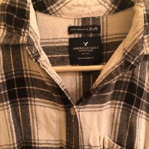 Flannel long sleeve button down shirt